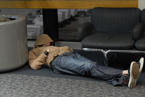 airport_sleeping1